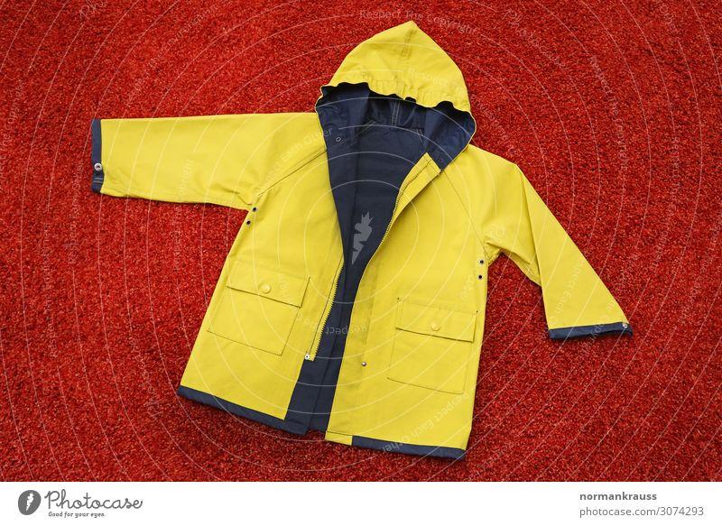 Regenjacke, Friesennerz Bekleidung Schutzbekleidung Jacke Kapuze einfach historisch Kitsch nerdig trashig blau gelb rot Tradition Wetterschutz Farbfoto