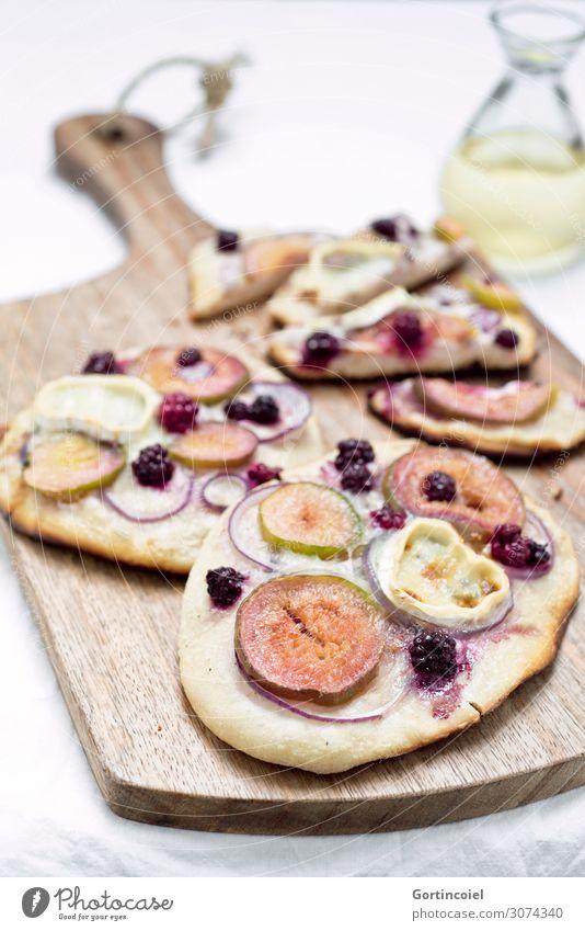 Tarte flambée Lebensmittel Käse Frucht Teigwaren Backwaren Öl Ernährung Bioprodukte Vegetarische Ernährung Slowfood frisch lecker selbstgemacht backen