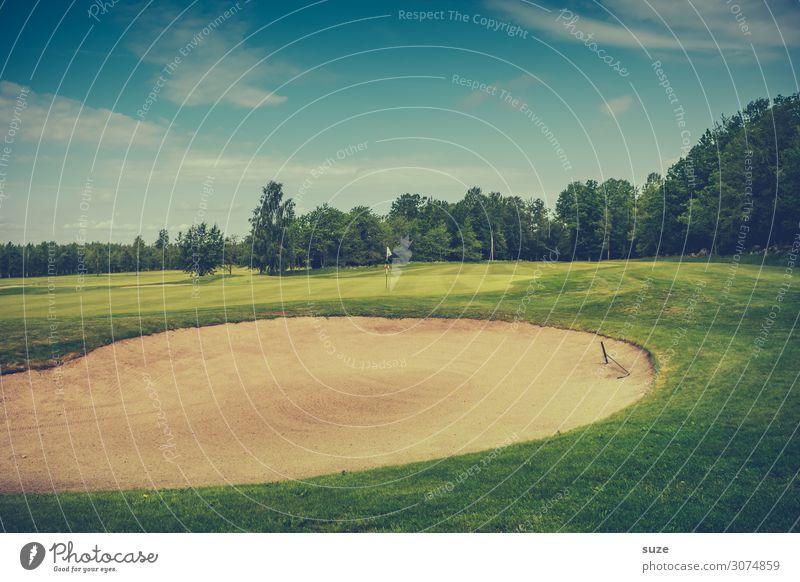 Spielsand Lifestyle Freizeit & Hobby Spielen Minigolf Sport Ballsport Erfolg Golf Umwelt Natur Sand Sommer Wiese Fahne grün Business Konzentration Misserfolg