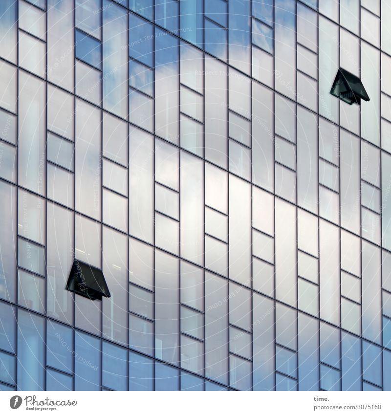 Oberstübchenlüftung (small version) Himmel Haus Wolken Einsamkeit Fenster Architektur Zeit Fassade Stimmung Design Linie Metall modern offen Hochhaus Glas