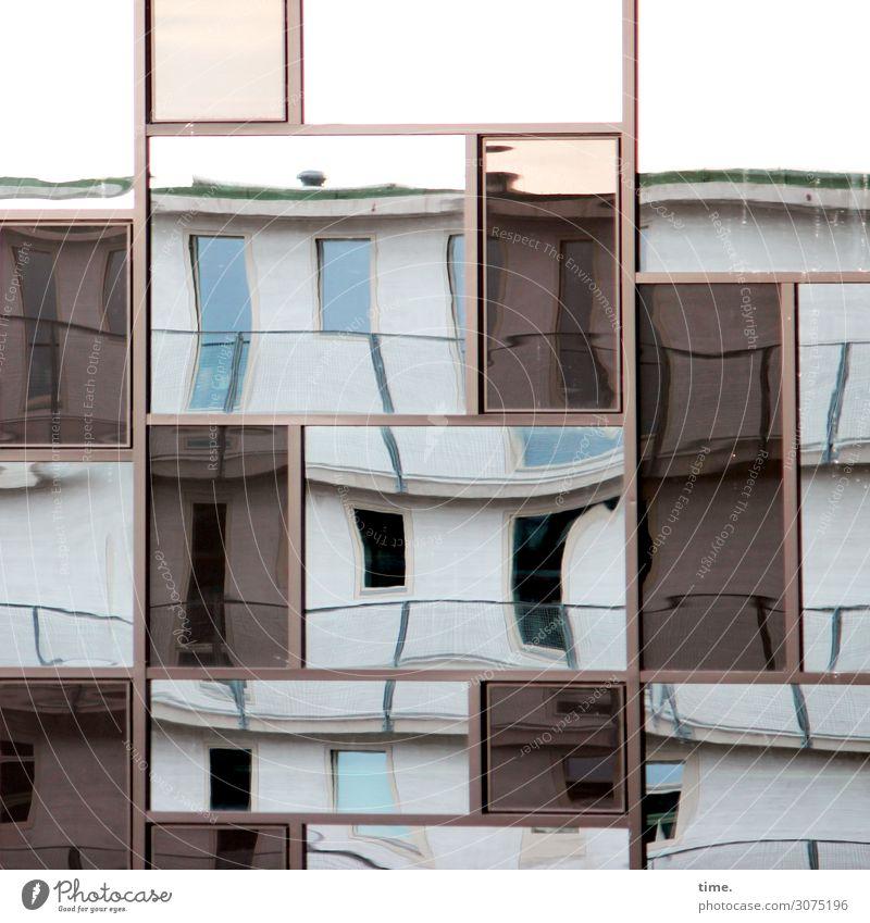 lost in translation Kunst Hamburg Bauwerk Architektur Fassade Fenster Tür Dach Linie Streifen eckig listig verrückt Leidenschaft Zusammensein Wachsamkeit Leben