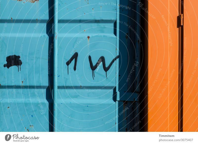 1 W Wirtschaft Container Metall Linie einfach blau orange schwarz Beschriftung Buchstaben Ziffern & Zahlen Scharnier Schatten Farbfoto Außenaufnahme