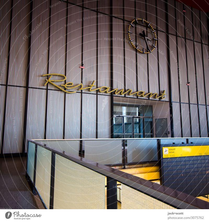 Restaurant Tourismus Architektur Berlin-Tempelhof Abflughalle Mauer Wand Sehenswürdigkeit Dekoration & Verzierung Zeit Uhrenzeiger Anzeige Geländer
