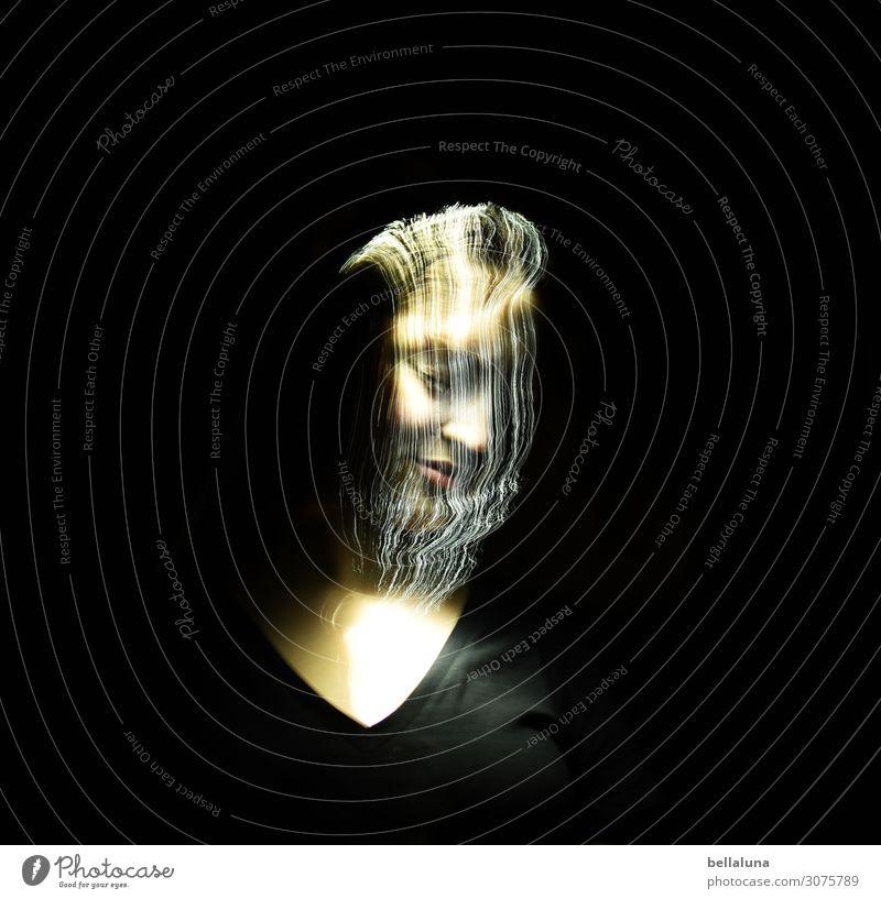 Wasserfall aus Licht Frau Mensch Jugendliche Junge Frau schön dunkel 18-30 Jahre Gesicht Auge Erwachsene Leben feminin außergewöhnlich Haare & Frisuren Kopf
