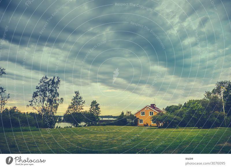 Schwedenkrimi Himmel Ferien & Urlaub & Reisen Natur Landschaft Baum Haus Wolken Einsamkeit gelb Umwelt Wiese See Europa Idylle Skandinavien nordisch