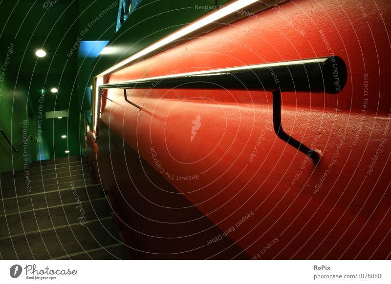 Ferien & Urlaub & Reisen Stadt Haus Architektur Lifestyle Gefühle Business Gebäude Arbeit & Erwerbstätigkeit Stimmung Büro Häusliches Leben Design Treppe Metall