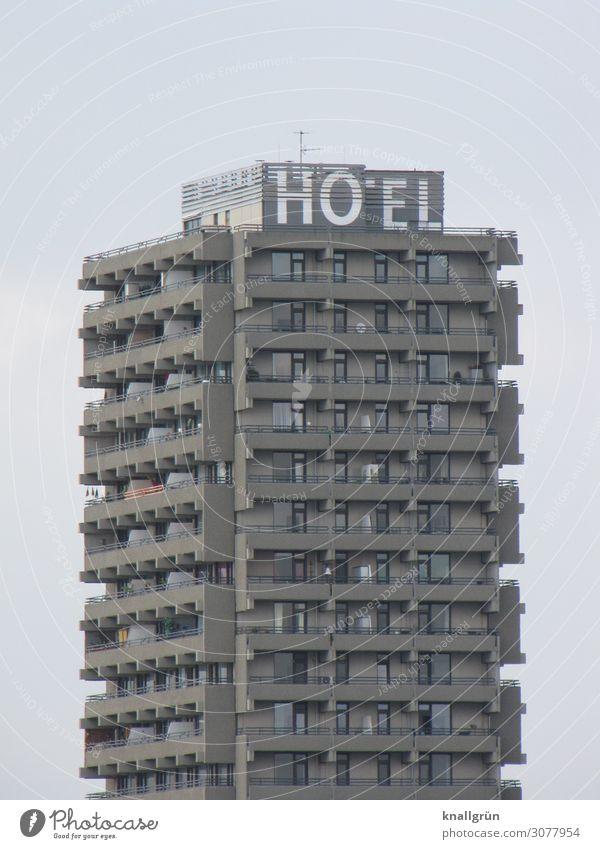 HOTEL Haus Hochhaus dreckig dunkel hässlich hoch Stadt grau Ferien & Urlaub & Reisen Tourismus Häusliches Leben Bettenburg Farbfoto Außenaufnahme Menschenleer