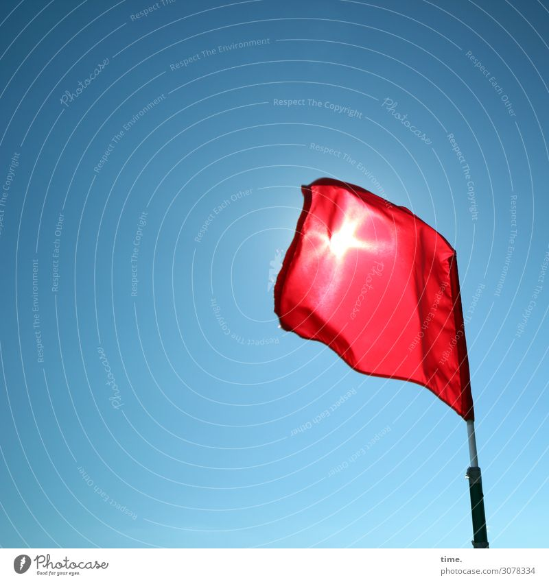 Sonnenschutz Himmel nur Himmel Schönes Wetter Kunststoff Fahne blau rot Leidenschaft Schutz Leben ästhetisch Bewegung Design entdecken Genauigkeit Hoffnung