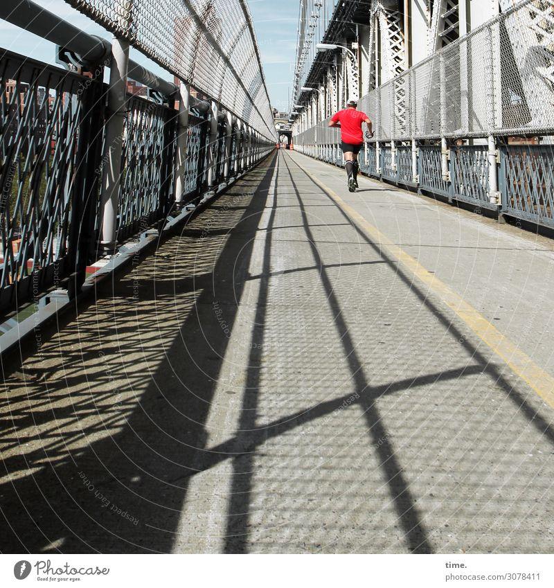 Brückenlauf | on the road again Sport Fitness Sport-Training Laufsport Joggen Jogger maskulin Mann Erwachsene 1 Mensch New York City Manhattan Bridge Bauwerk