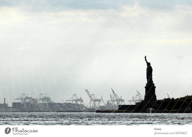 Hafendirigentin Arbeit & Erwerbstätigkeit Arbeitsplatz Handel Güterverkehr & Logistik Kunst Wasser Himmel Wolken Herbst Wetter Küste Flussufer Hudson River