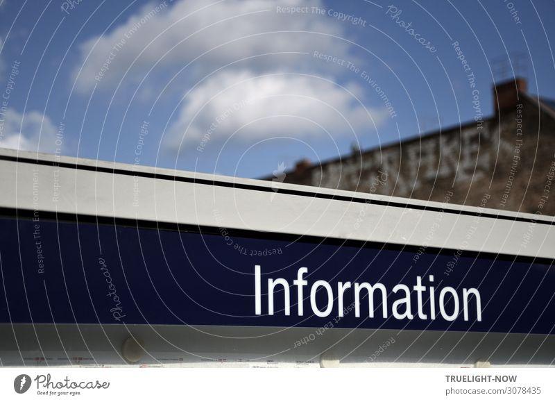 Information Stadt Haus Bahnhof Mauer Wand Schornstein Bahnsteig Verkehr Öffentlicher Personennahverkehr Bahnfahren Schienenverkehr S-Bahn Schriftzeichen