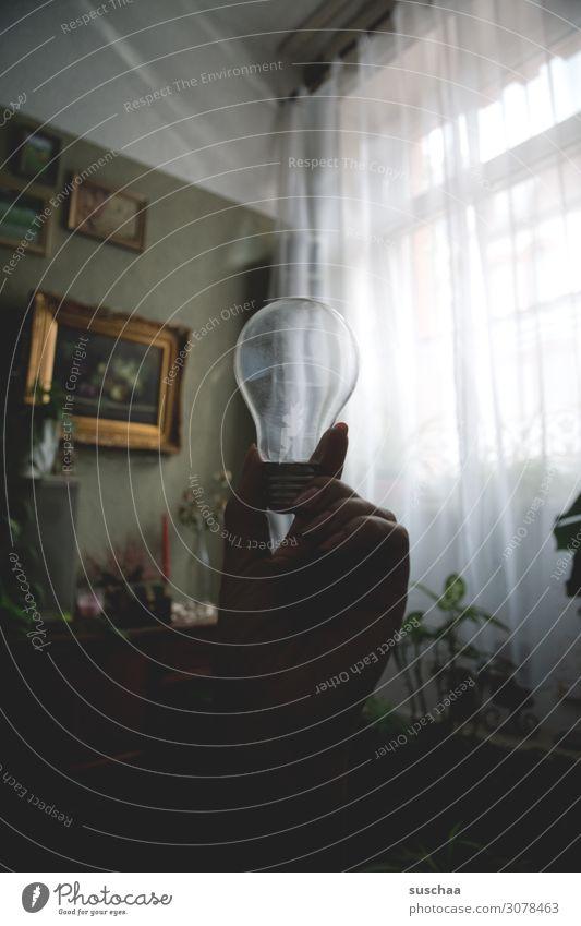 es werde licht .. Idee Hand Finger Glühbirne Erkenntnis Symbole & Metaphern Licht Wohnung Fenster Wand Glas Bilderrahmen Kontrast