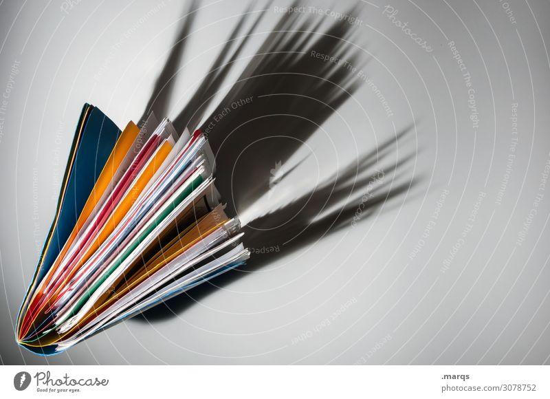 Akte Bildung Wissenschaften Erwachsenenbildung Arbeitsplatz Büro Steuerberater Aktenordner mehrfarbig Design Ordnung Perspektive Farbfoto Studioaufnahme