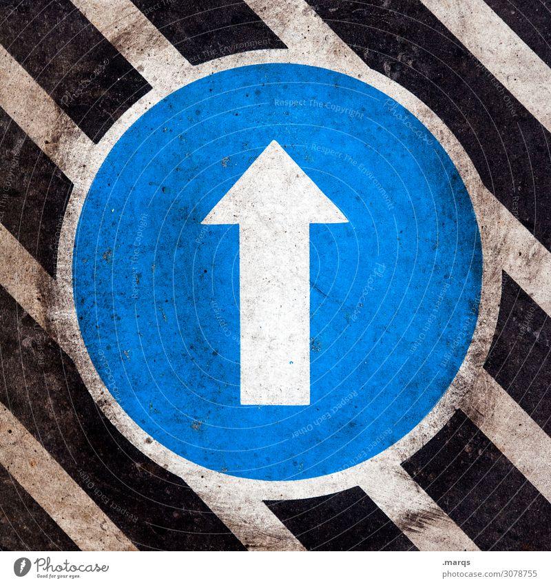 Level up blau weiß schwarz oben Linie Verkehr dreckig Zeichen Ziel Richtung Pfeil Orientierung Verkehrszeichen