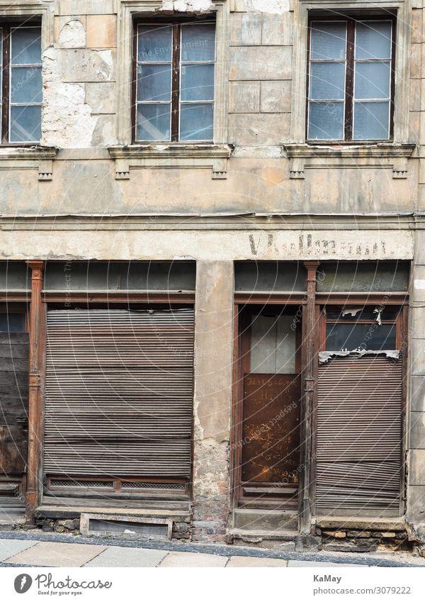 Verfallen Haus Renovieren Görlitz Sachsen Deutschland Europa Stadt Altstadt Gebäude Architektur Altbau Fassade Fenster Tür alt historisch braun Nostalgie