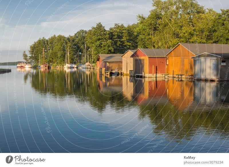 Bootshäuser an der Elde Erholung ruhig Tourismus Sommerurlaub Wassersport Natur Landschaft Baum Seeufer Plauer See Fluss Mecklenburg-Vorpommern Deutschland