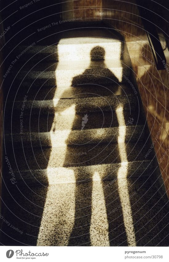 Schattenmorelle Mensch Mann Haus Tür Eingang blenden