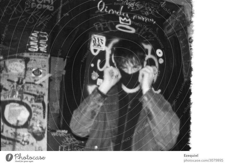 Mensch Jugendliche Stadt Junger Mann 18-30 Jahre Erwachsene Leben Graffiti Stil Kunst Party Mode Freundschaft maskulin Körper Musik