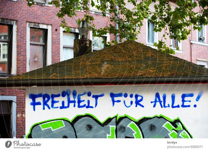 Freiheit blau Stadt grün weiß rot Baum Haus Leben Graffiti Gefühle Fassade Schriftzeichen authentisch Ast Zeichen