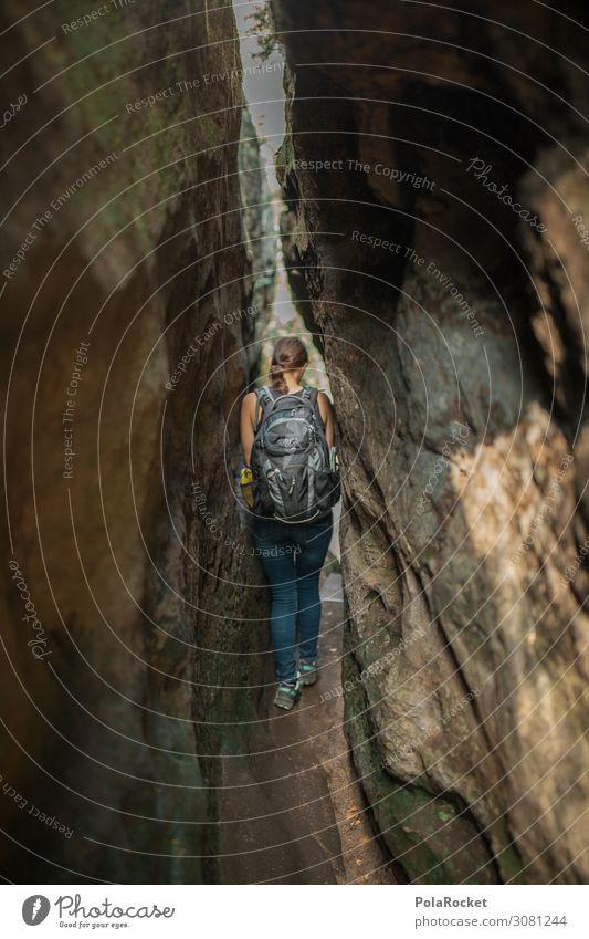#A# Schmaler Grat Umwelt Natur Landschaft ästhetisch wandern Sachsen Sächsische Schweiz eng Berge u. Gebirge Frau Außenaufnahme Aktion Platzangst Farbfoto