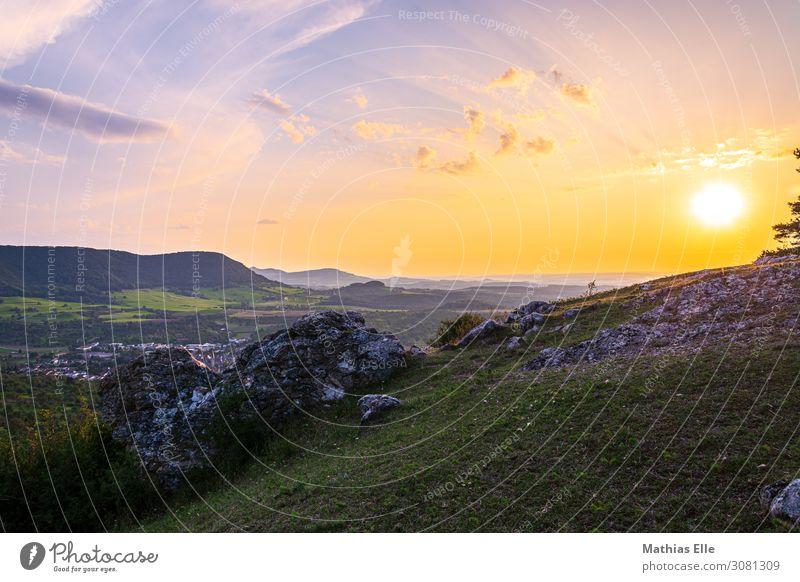 Sonnenuntergang auf der Alb Umwelt Natur Landschaft Himmel Wolken Horizont Sonnenaufgang Sonnenlicht Sommer Schönes Wetter Gras Wiese Hügel Berge u. Gebirge