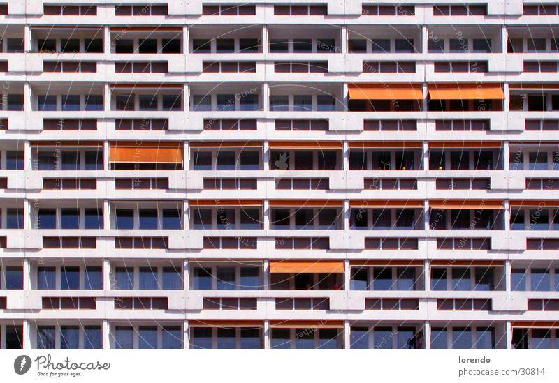 Plattenerwachen Plattenbau Cottbus Deutschland Balkon Architektur Wohnungsbau Stadtpromenade