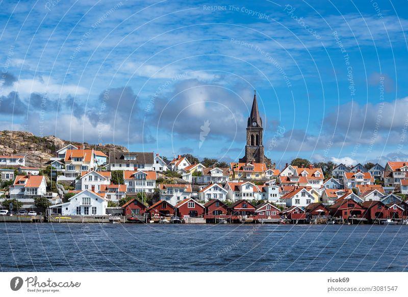 Blick auf die Stadt Fjällbacka in Schweden Ferien & Urlaub & Reisen Tourismus Sommer Meer Haus Natur Wasser Wolken Küste Nordsee Gebäude Architektur
