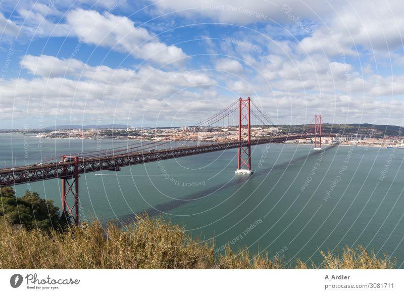 Blick auf Lissabon Ferien & Urlaub & Reisen Tourismus Ausflug Ferne Freiheit Sightseeing Städtereise Sommer Sommerurlaub Meer Landschaft Urelemente Wasser