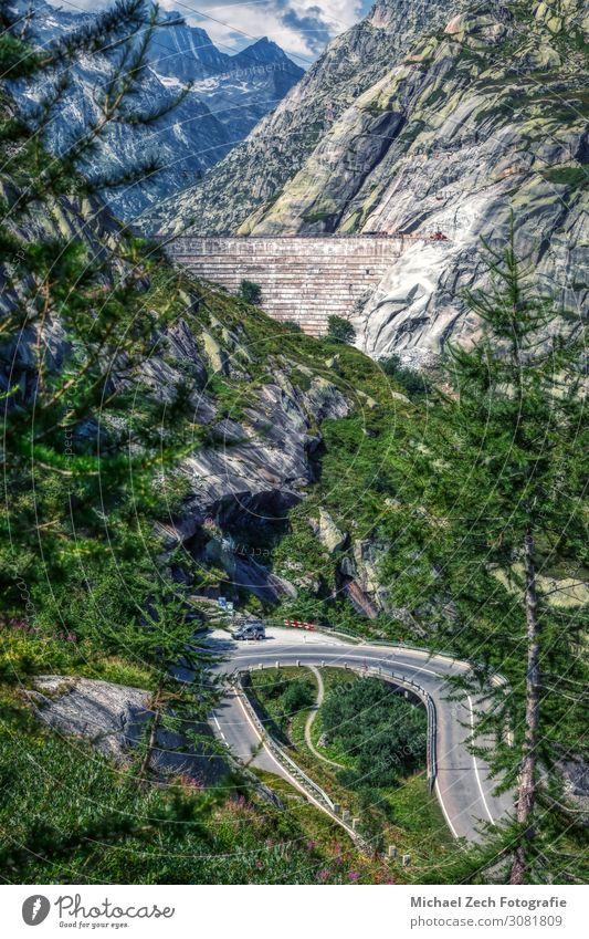 damenhaus am grimselpass zwischen den schweizer alpen Ferien & Urlaub & Reisen Tourismus Sommer Berge u. Gebirge wandern Wasserkraftwerk Natur Landschaft