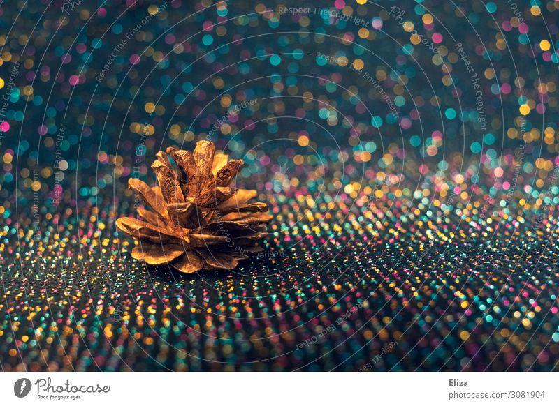 Oh Tannenbaum Winter Dekoration & Verzierung Feste & Feiern Weihnachten & Advent glänzend fantastisch Kitsch Tannenzapfen Gold Weihnachtsdekoration