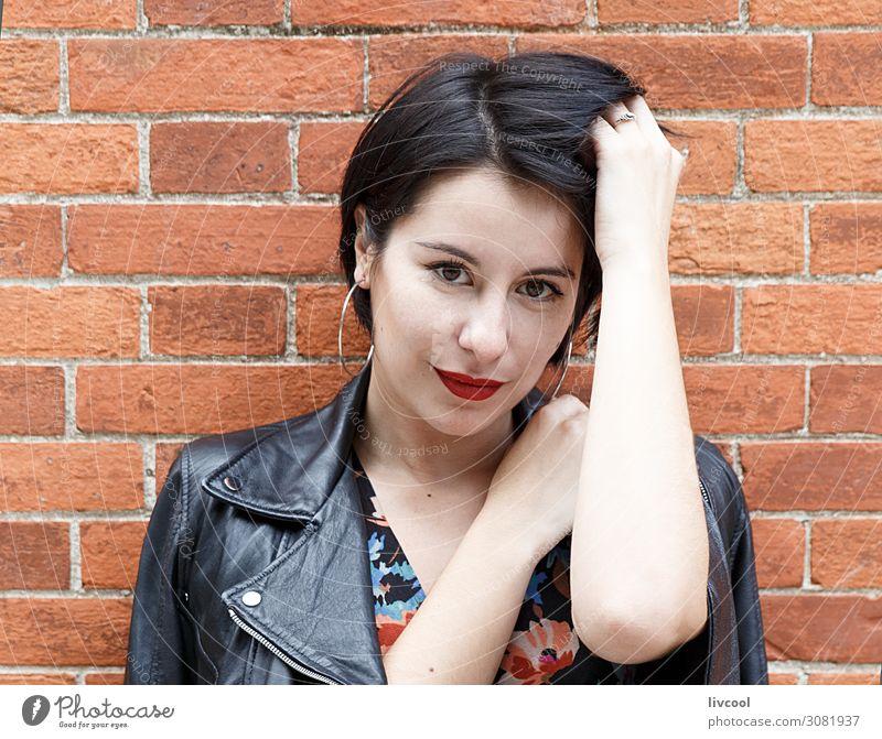 Frau Mensch Natur Jugendliche Junge Frau Sommer schön Hand 18-30 Jahre Gesicht Auge Lifestyle Erwachsene feminin Glück Stil