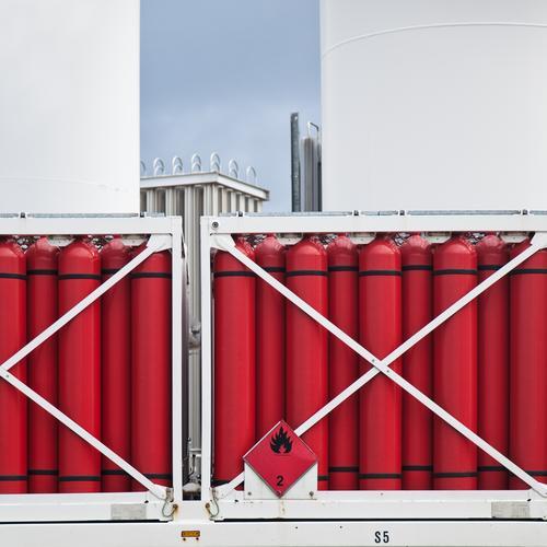 Wasserstoff weiß rot Business Arbeit & Erwerbstätigkeit Energiewirtschaft Technik & Technologie Zukunft Industrie Wandel & Veränderung Güterverkehr & Logistik