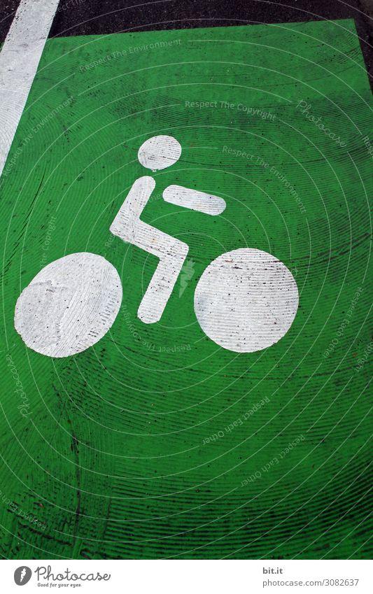 On the road again l komm wir fahren ins Grüne. Stadt grün Gesundheit Straße Freiheit Ausflug Freizeit & Hobby Verkehr Schilder & Markierungen Fahrradfahren
