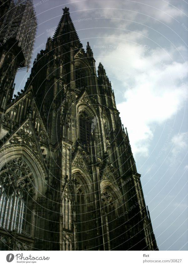 Südturm Kölner Dom Sonne Wolken Religion & Glaube Architektur hoch Turm Gotik Gotteshäuser aufstrebend