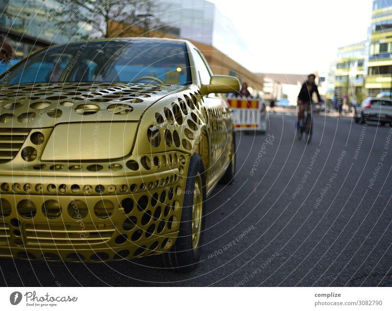 Autokulta Straße Lifestyle Stil Kunst Design Freizeit & Hobby PKW Verkehr Zukunft Gold Handwerk Fahrzeug Loch Straßenkunst Artist Verkehrsmittel