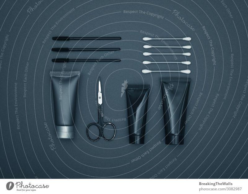 Flachlegung von maskulinen Körperpflegeprodukten in Schwarz Lifestyle schön Haut Gesicht Kosmetik Creme Schminke Gesundheit Gesundheitswesen Wellness Wohlgefühl