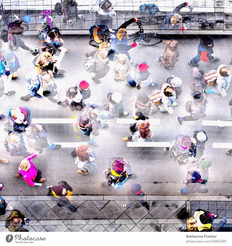 the walk II Mensch Menschenmenge Stadt Stadtzentrum Straße Fahrrad laufen blau braun mehrfarbig gelb grau grün violett orange rosa rot schwarz türkis weiß