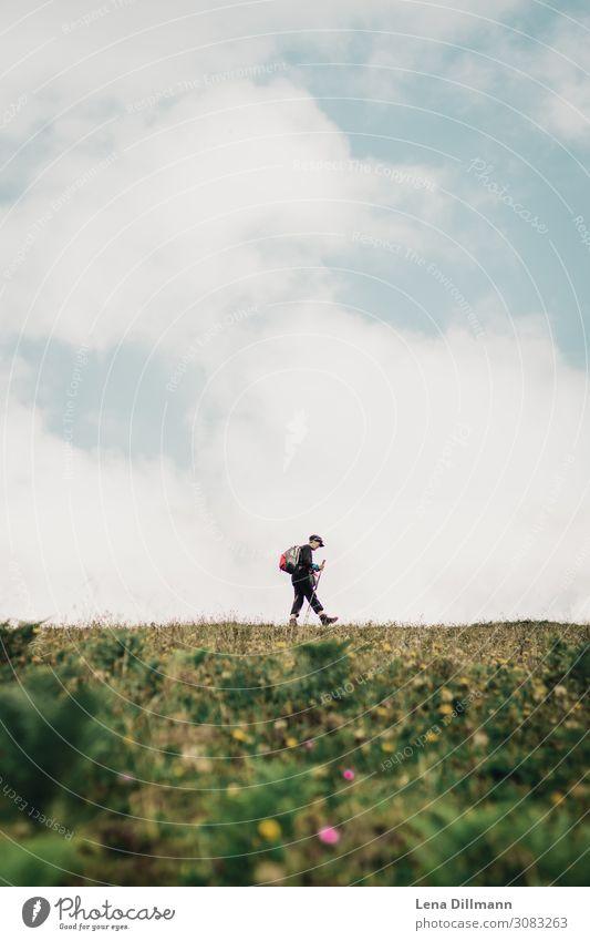 201809 Berg #5 sportlich Fitness ruhig Freizeit & Hobby Ausflug Berge u. Gebirge wandern Sport Mensch feminin androgyn Frau Erwachsene Körper 30-45 Jahre