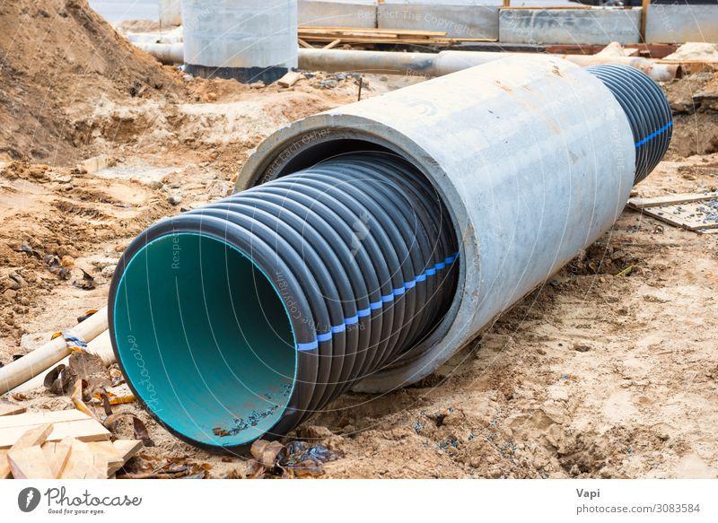 Großes Rohr oder Rohr für die Wasserleitung Arbeit & Erwerbstätigkeit Beruf Industrie Dienstleistungsgewerbe Baustelle Telekommunikation Werkzeug