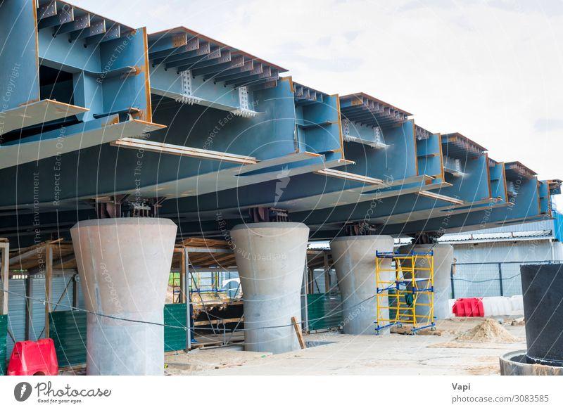 Himmel blau Stadt weiß rot Straße Architektur sprechen Umwelt Business Gebäude grau Arbeit & Erwerbstätigkeit Metall Verkehr modern