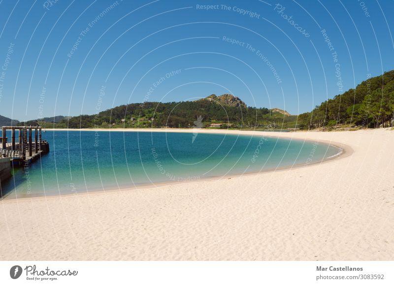 Strandlandschaft, Strand von Rodas, Cies Islands. Erholung Meditation Ferien & Urlaub & Reisen Tourismus Sommer Sommerurlaub Sonne Sonnenbad Meer Insel Tapete