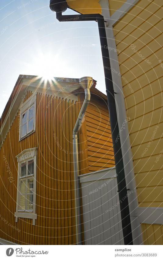 Rauma, Finnland | Historische Altstadt Stadt Haus Lifestyle gelb Wand Mauer Fassade Häusliches Leben Sehenswürdigkeit Dach Dorf Stadtzentrum Holzhaus