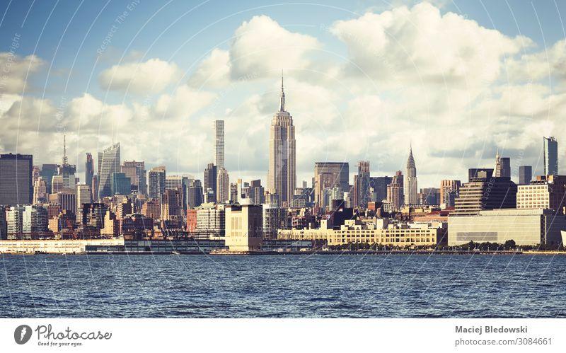 New York City Waterfront Skyline, USA. Fluss Stadt bevölkert Haus Hochhaus Gebäude Sehenswürdigkeit Wahrzeichen retro Dekadenz Ferien & Urlaub & Reisen
