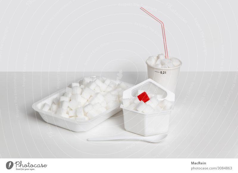 Zucker Lebensmittel Ernährung Verpackung süß Problematik Symbole & Metaphern ungesund Würfelzucker rot Trinkhalm Löffel weiß Menschenleer Farbfoto