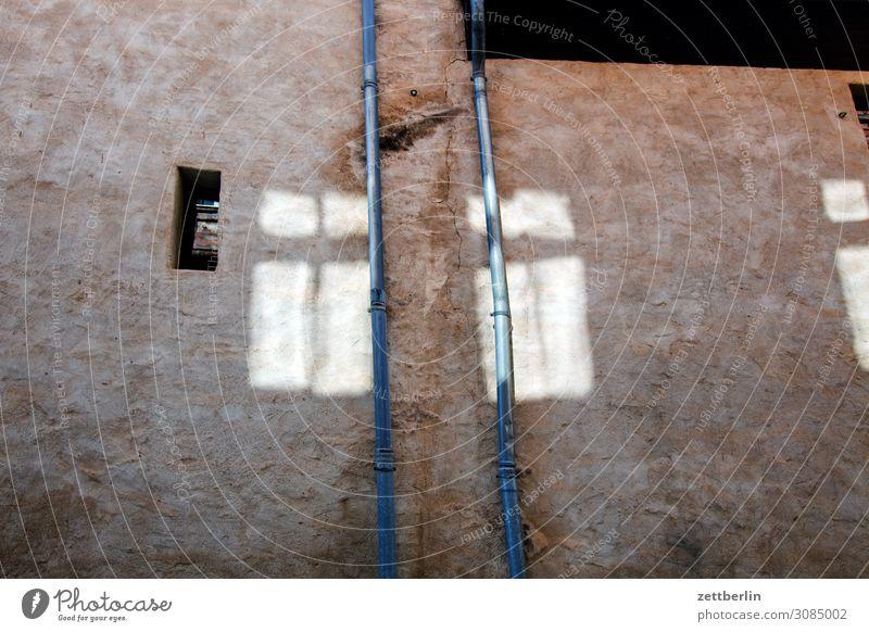 Grauer Hof, Aschersleben aschersleben Detailaufnahme Haus historisch Kleinstadt Licht Traurigkeit Menschenleer Mittelalter Sachsen-Anhalt Sommer Stadt