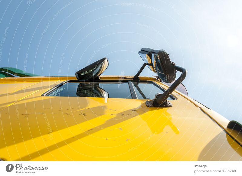 Brummi | On the road again Wolkenloser Himmel Verkehr Verkehrsmittel Güterverkehr & Logistik Lastwagen gelb Termin & Datum liefern Farbfoto Außenaufnahme