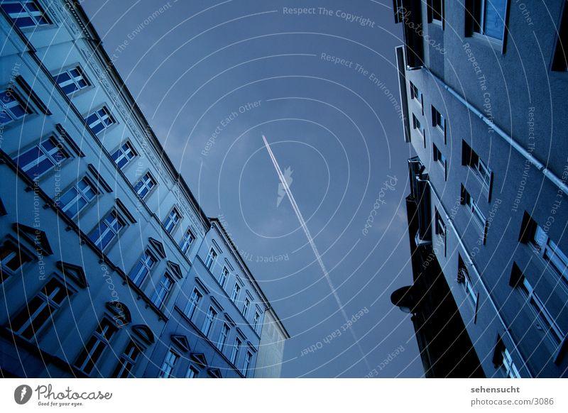 skyline cottbus Weitwinkel Flugzeug Stadt Haus Fenster Architektur Himmel blau Straße kondesstreifen
