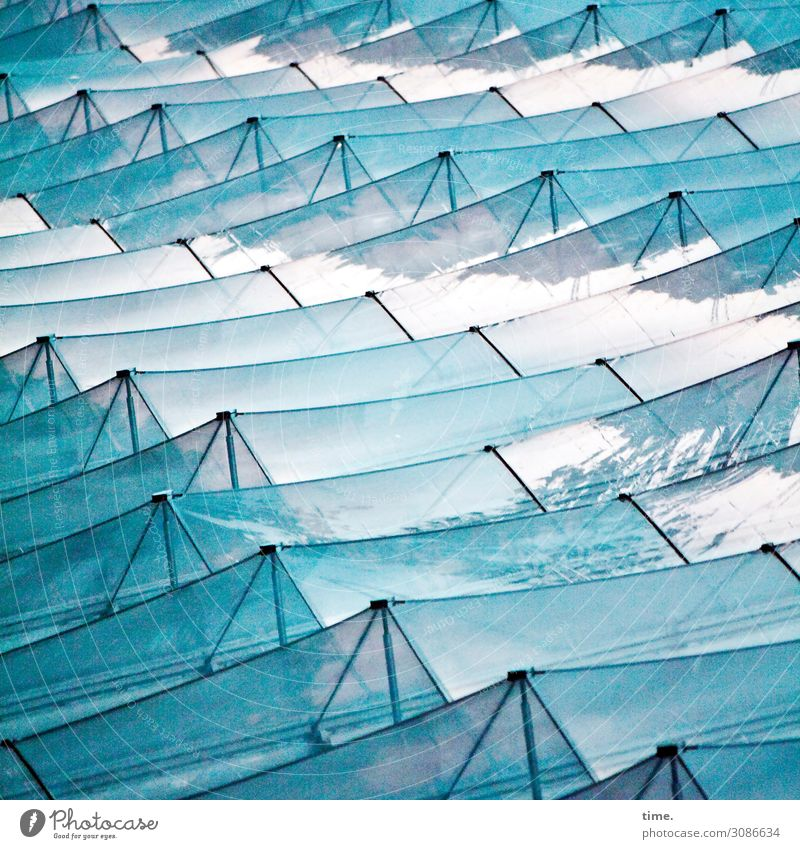 Glaswellen Kunst Kunstwerk Hamburg Bauwerk Architektur Fassade Metall Linie Streifen Netzwerk ästhetisch außergewöhnlich blau türkis Bewegung Design entdecken