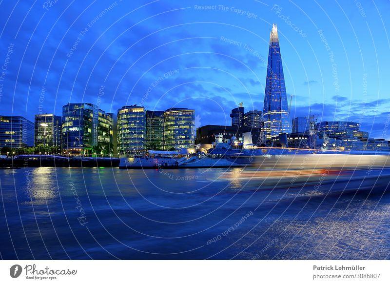 London in blau Ferien & Urlaub & Reisen Tourismus Sightseeing Städtereise Büro Umwelt Landschaft Wasser Himmel Wolken Nachthimmel Fluss Themse England