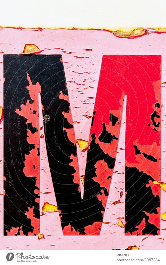 M Mauer Wand Lack Farbstoff Metall Schriftzeichen alt rosa rot schwarz Kommunizieren Farbfoto Außenaufnahme Nahaufnahme Strukturen & Formen Menschenleer